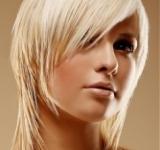 Blond frizura