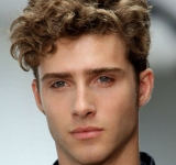 Kodrasta frizura